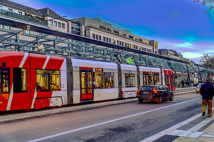 City Cityscape Day Hdrphotography Multi Colored Outdoors People Sky Straßenbahn-Haltestelle Tram Stop Travel Destinations