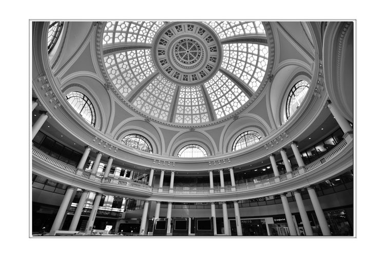 Westfield Centre 4 San Francisco CA🇺🇸 Westfield Centre Upscale Urban Shopping Mall The Dome Bnw_friday_eyeemchallenge Urban_geometrics Interior Design Decor Architecture Architectural Detail Arches Windows Floors Columns Geometric Shapes Pattern Pieces Balcony Monochrome_Photography Monochrome Black & White Black & White Photography Black And White Black And White Collection  Skylight Indoors  Dome