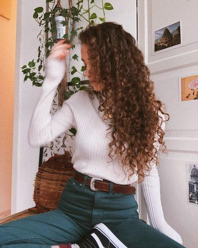 3A Hair 2C Hair Natural Hair Winter Outfit  Highwaisted Grunge Long Hair Curls Curly Hair Real People Women Lifestyles Adult Hairstyle Indoors  Curly Hair Casual Clothing Hair Young Women
