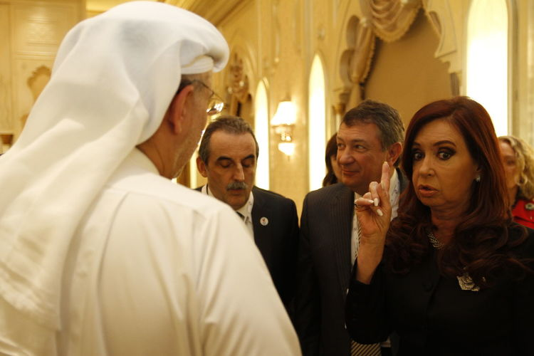 Cristina Fernandez de Kircher in Abu Dhabi Argentina Politics Kirchner Power President Argentina Cristina Cristina Fernandez De Kirchner Famulari Female President Fernandez Women