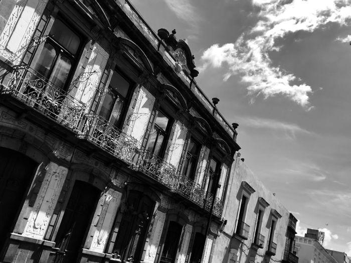 Fachadas de Puebla Puebla De Zaragoza Built Structure Architecture Low Angle View Building Exterior Sky Cloud - Sky Building Old Obsolete The Past No People City Travel Destinations First Eyeem Photo
