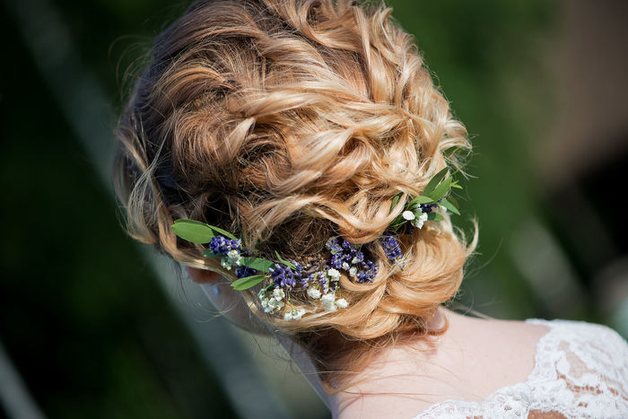 Hair Hairstyles Wedding Blond Hair Bride Close-up Day Flower Focus On Foreground Hair Color Hair Style Haircut Hairstyle Lifestyles One Person Outdoors People Real People Wearing Flowers Wedding Hair