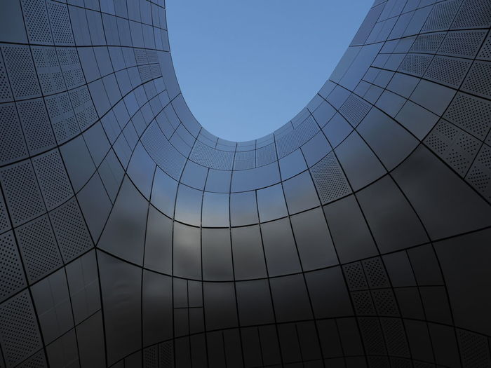 Korea Modern Reflection Shapes And Forms Outdoor Photography Streetphotography Iconic Landmark Architectural Detail Design Art Curves Lines Shape Sky Tones Panel Outdoors Daylight Zaha Hadid Architecture Cladding Travel Photography Tourism Metal Grate Geometric Shape Building Feature International Landmark Pattern