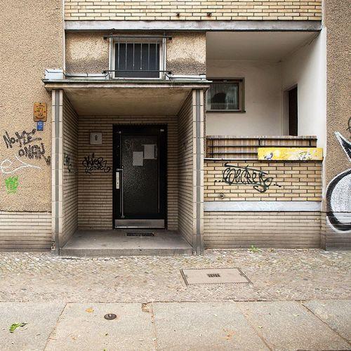 Schoeneberg Schöneberg Goltzstrasse Armabersexy Spekulation Günstigenwohnraumvernichten ?? Baldweg Kiezverkauf Tristesselover Fünfzigerjahrearchitektur Nachkriegsbauten Nachkriegsarchitektur