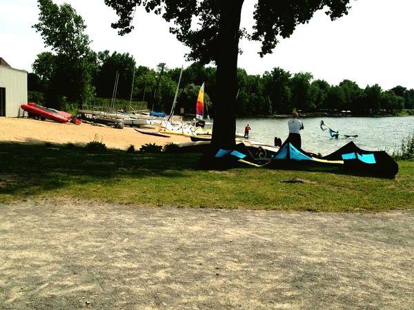 Plancheàvoile Planche à Voile... Catamaranboat⛵ River Walk Beautiful Day 🌞