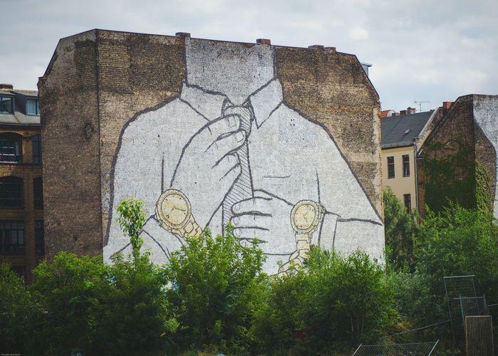 Street Art/Graffiti The Street Photographer - 2015 EyeEm Awards Creative Power Urban Lifestyle My Eyes My Berlin Berlin Streetart Famous Artist Headless Urban Geometry Cityscapes Streetart