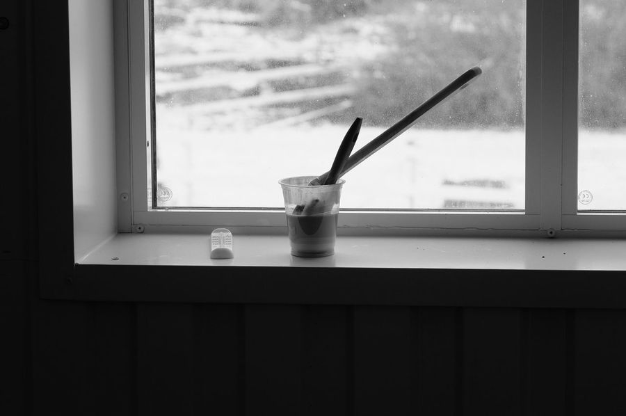 Brushes Paint Taking Photos FUJIFILM X-T1 Monochrome Black & White XF50-140mm Svartvitt Window Bnw
