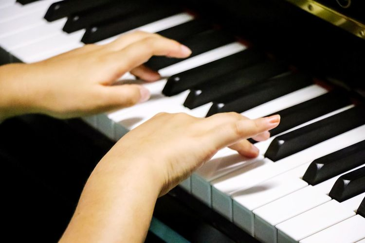 Deceptively Simple Piano Keys Play Piano ♪ Piano Time Hands On Practicing Piano Hanging Out