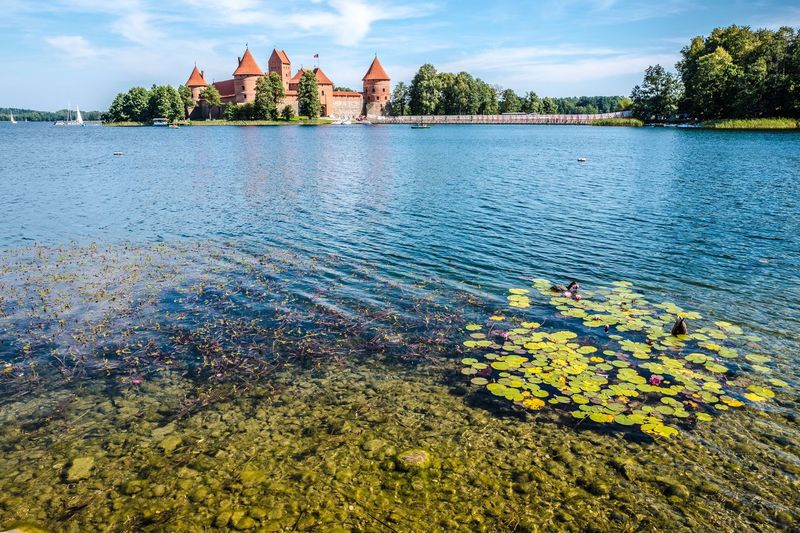 Trakai Castle Wasserburg Castle Galvė Lake Lietuva Litauen Lithuania Trakai Water Architecture Sky Built Structure Nature Building Exterior Day Outdoors Lake Building Travel Destinations