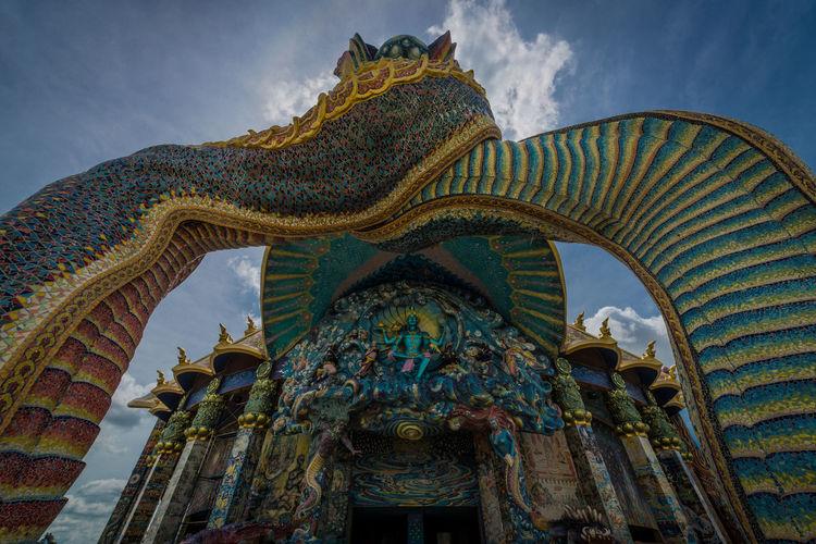 Visit Luang Por