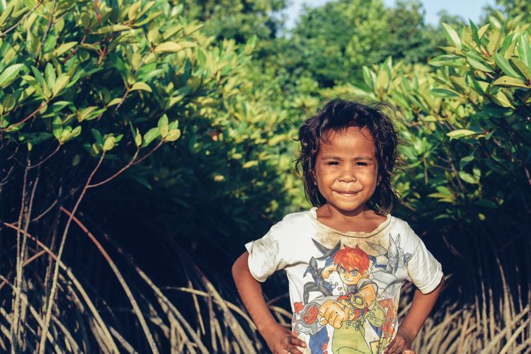 This is my friend, say hi...! Sunlight Sunlight And Shadow Daylight Mangrove Mangrove Forest Mangroves Child Childhood Baby Portrait People Children Only Toddler  Looking At Camera One Person Cute Outdoors Happiness Day Smiling Girls Tree One Boy Only Nature Real People Standing