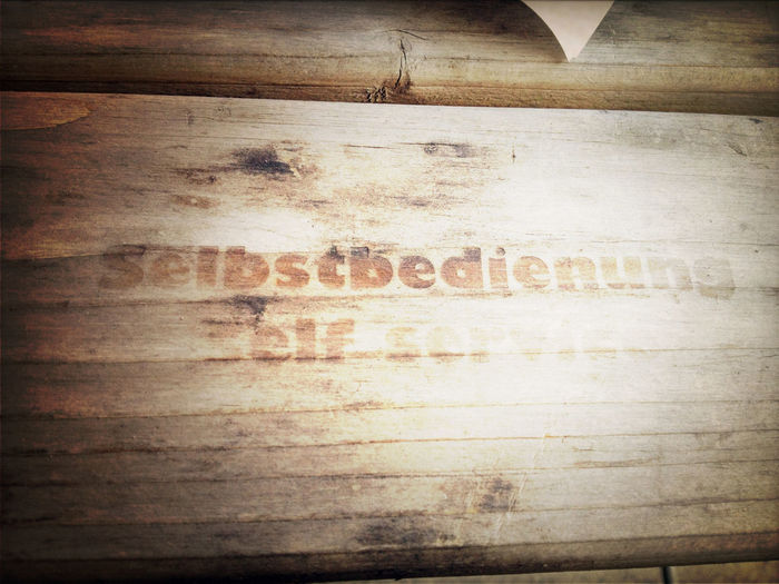 Selbstbedienung in Gill Sans Ultra Bold