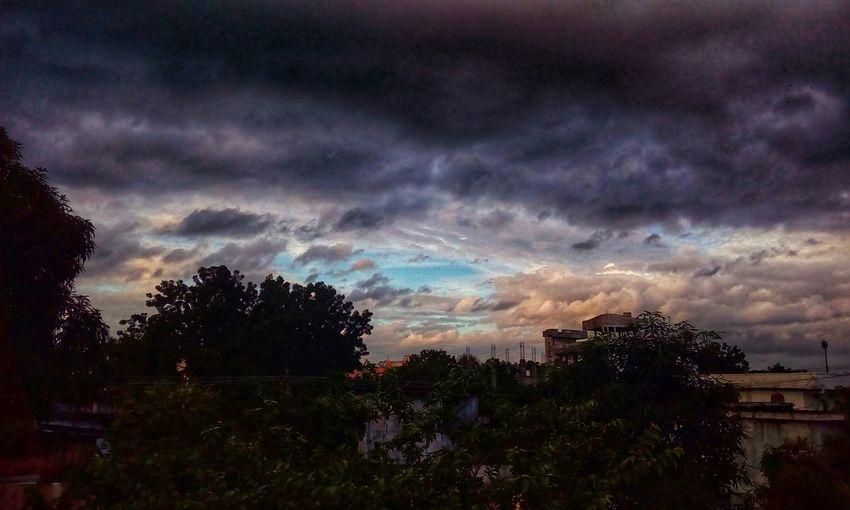 stormy sky 🌁⛅⚡
