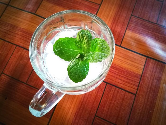lemon mint soda tea. Soda Tea Cool Ice Smooth Copy Space Paper Mint Leaf - Culinary Drink Drinking Glass Wood - Material Tea - Hot Drink Table High Angle View Directly Above Close-up Food And Drink Mint Tea Ice Cube Iced Coffee Tonic Water Drinking Straw