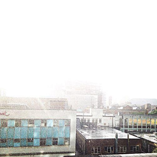 Sunny moring.... Its raining ☀️☔️☔️ Woolwich London RainyDay Sunnydelight Awsome Weather