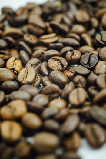 Bohne Coffee Abundance Backgrounds Brown Close-up Coffee - Drink Coffee Bean Food Food And Drink Freshness Group Of Objects Indoors  Kaffee Kaffeebohne Large Group Of Objects Nature No People Raw Coffee Bean Roasted Roasted Coffee Bean Scented Selective Focus Still Life