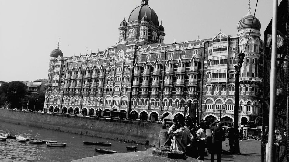 Architecture City Travel Destinations Building Exterior Tourism Built Structure Outdoors Government Mobilephotography MotoClick Backgrounds Beginnerphotographer Full Frame Beginner Leisure Activity Gatewayofindia Tajhotelmumbai Tajhotel Breathing Space