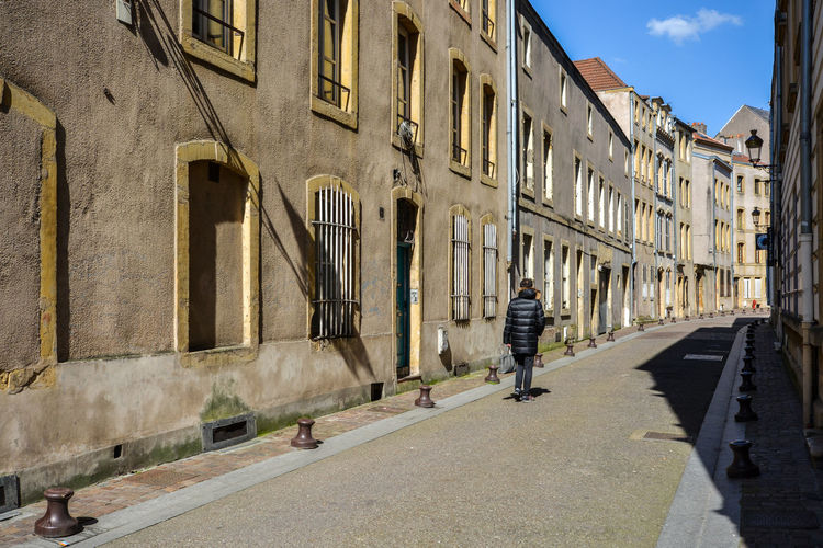 Altstadt Architecture Building Building Exterior Built Structure City Day Diminishing Perspective Gasse Metz, France Old Town Outdoors Residential Building Sky Street The Way Forward