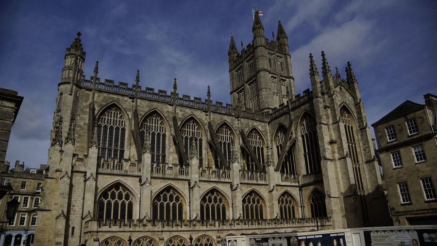Building Exterior Built Structure Architecture Building Sky Place Of Worship Religion Spirituality Belief History The Past Low Angle View Cloud - Sky Travel Destinations Travel Nature City Arch No People Outdoors Gothic Style Government Spire  Urlaub Bristol Frankfurt Am Main