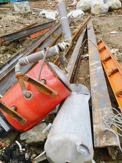 Schrott auf der Baustelle Scrap Junk Waste