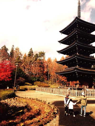 Autumn Japanese Temple Sisters Enjoy The New Normal