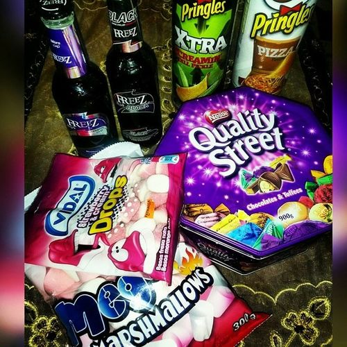 Too much love in one pic ... The REAL meaning of happiness ???? Marshmallow Drops Qualitystreet Freez  Black blueberry pringles xtra love food happy