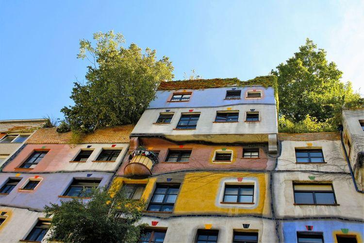 Zerozomermissies2016 Apartment Architecture Building TheArchitect City Day Hundertwasserhaus Low Angle View Vienna Wien Summer The Architect - 2017 EyeEm Awards The Architect - 2017 EyeEm Awards