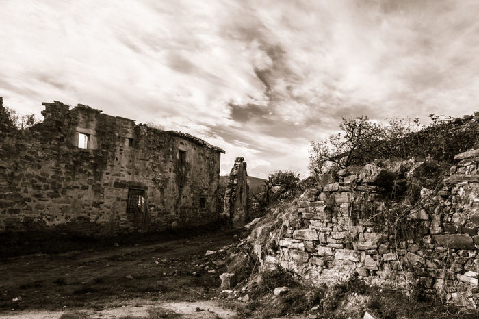 Abandoned Architecture Astorga Blackandwhite Castilla Y León Cloud - Sky Medieval Medieval Architecture Medium Group Of Objects Monochrome No People Outdoors Pueblos De España Ruined Ruins Ruins Architecture Rural Scene Rural Scenes Sky Sky And Clouds Sky_collection SPAIN Time Stop