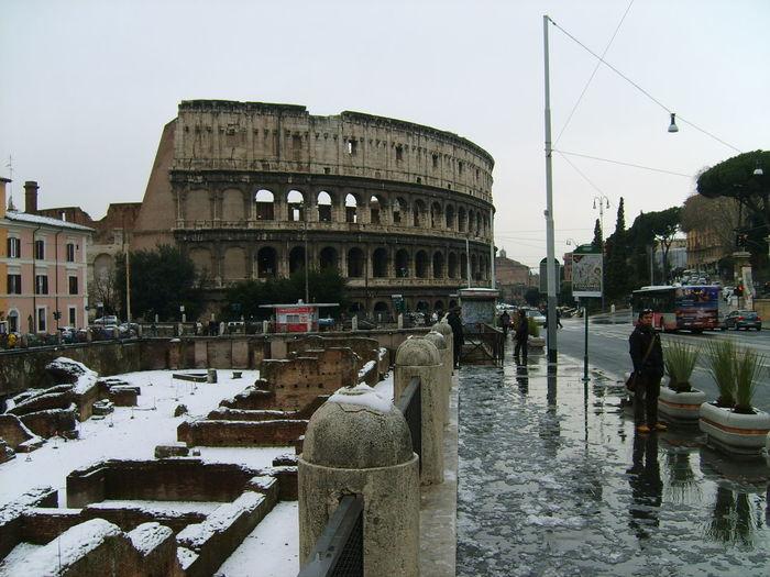 AmphitheatrumFlavium Roma Stone Columns Architecture Building Exterior Enternalcity History Winter