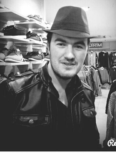 alışveriş yaparken şapka denemem 😉