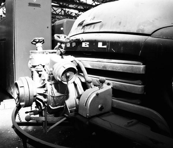 Feuerwehr Feuerwehrfahrzeug Feuerwehrauto Pumpe Verteiler Opel Oldtimer Oldcar Old Timer Fire Engine