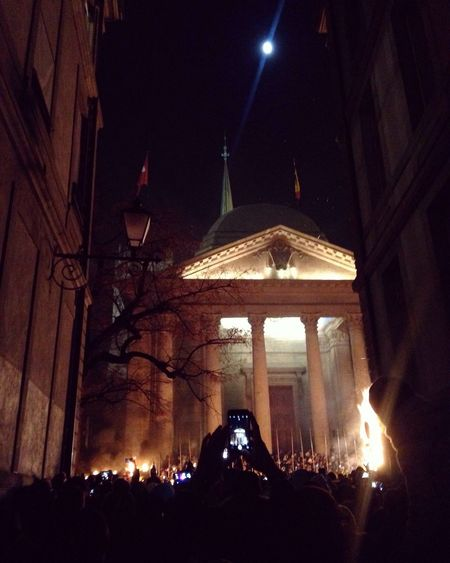 Escapade 2016 festival in Geneva.. 🇨🇭🏛🔥🔥🔥⚔️🛡 Geneva Winter December Festival Escapade Escapade2016 Crowd Historical Stpierrecathedral Nightphotography Moon Night Cathedral Mobilephotography
