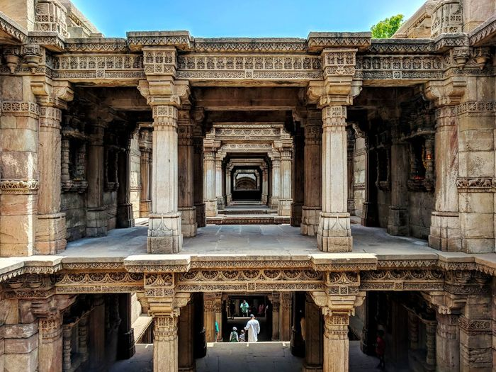Adalaj Stepwell 🕳️⛲ Adalajstepwell Adalajnivav Adalaj Iloveyoujyotsna♥️ Stepwell Ancientarchitecture Historical Monuments Gujarat Monument Sunny Day City Sculpture Ancient Carving - Craft Product Sky
