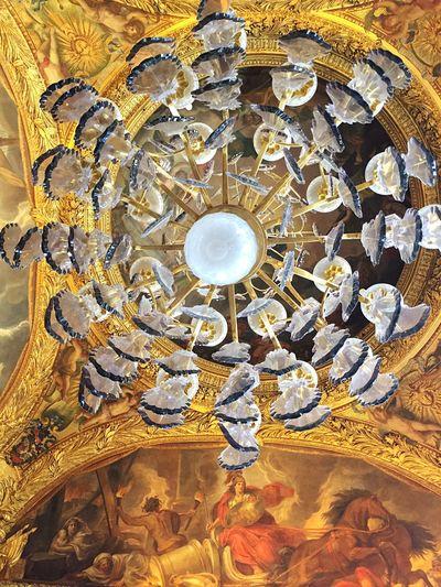 Versailles Château De Versailles  Lampadaire cristal contre-plongée low angle view Crystal Clear