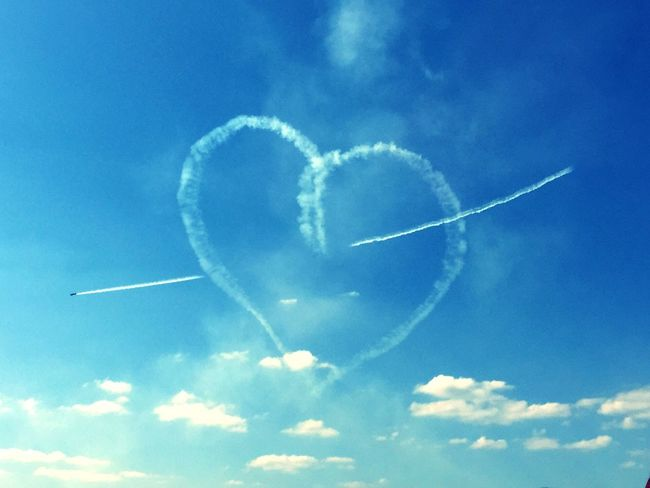 Sky Flying Airplane Airshow Formation Flying Amazing Heart