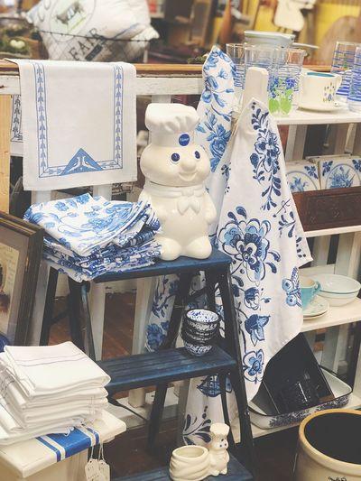 White Blue Design Kitchen Antique Retro Design Store Retail Display Arrangement Shopping Table