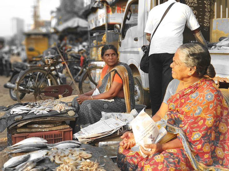 Kochi evening market. #kerala #kochi Kerala India Kerala The Gods Own Country ;) Market Two People People Business Finance And Industry Mature Adult Transportation Real People Women Day Outdoors