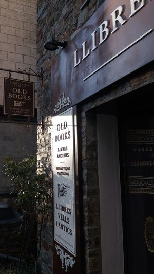 Books Old Book Shop City Text Business Finance And Industry Building Exterior Built Structure Architecture No People Outdoors Close-up Day