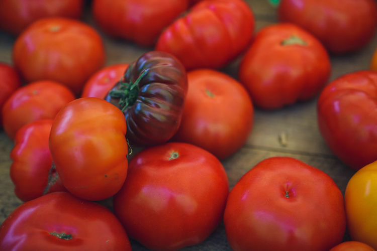 Farmers Market Abundance Backgrounds Close-up Day Food Food And Drink Freshness Fruit Full Frame Healthy Eating Large Group Of Objects Market No People Organic Red Ripe Still Life Tomato Tomatoes Vegetable Wellbeing The Still Life Photographer - 2018 EyeEm Awards