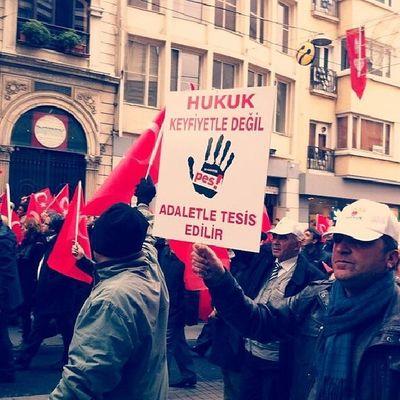 Ger çekler Istiklalcaddesi Y ürüyüş Taksim istanbul
