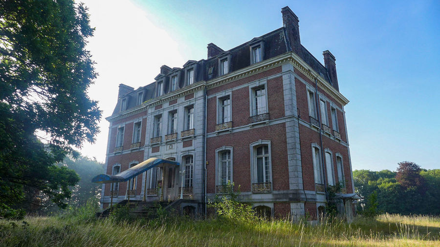 Architecture History Travel Destinations Building Exterior Low Angle View Outdoors No People Urbex Vacation Urbexphotography Lostplaces Abandonedplaces Abandoned Buildings Castle Abandoned Castle Abandoned Abandoned Places Urbexworld Urbexexplorer Photography Photograph Discovering Luxury Luxuryhotel Architecture