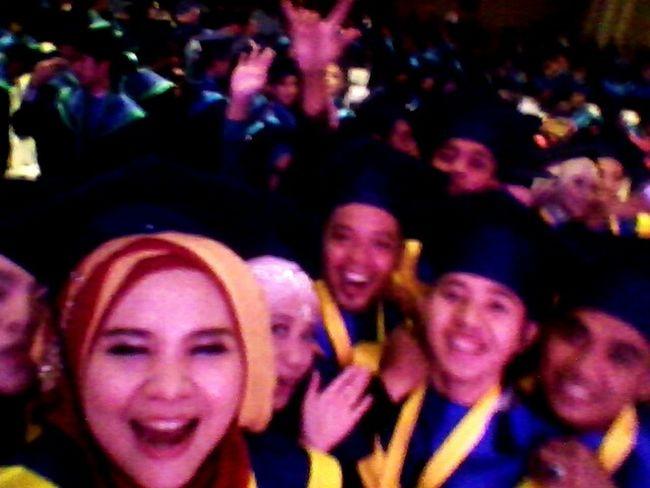Sayang bgt sih ngeblur, akibat heboh jingkrak2 😁😁😁 Graduation Party