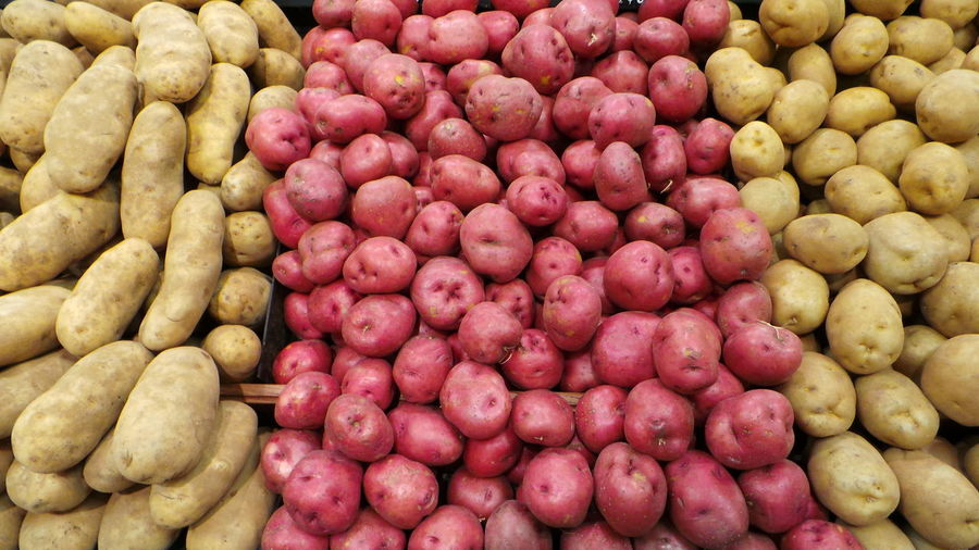 Red Potatoes Kartoffel Gemuese Taking Photos Check This Out Grocery Shopping Vegetables Of EyeEm OpenEdit Look At This At The Market