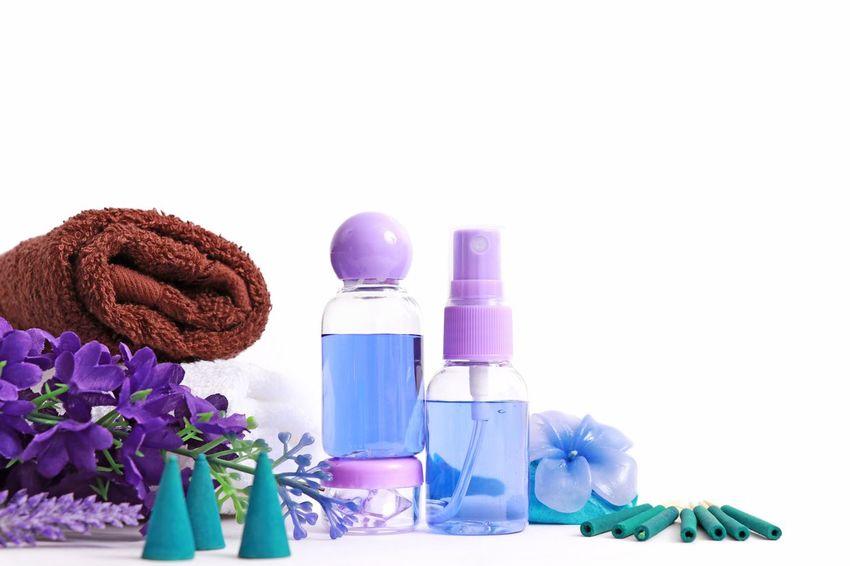 😊🌺🍃 Bottle Flower Body Care No People Aromatherapy White Background Lavender Colored Nature Aromatherapy Oil Spa Day  Spa Massage EyeEm Best Shots EyeEm Gallery EyeEmNewHere Eyeem Market