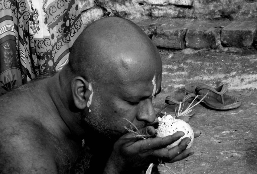 Baldhead Close-up Day People Real People Rituals And Belives Art Photgraphy Artistic Expression Close Up Photography Black And White Photography Bald Is Beautiful Performance Abstractions In Colors Place Of Heart