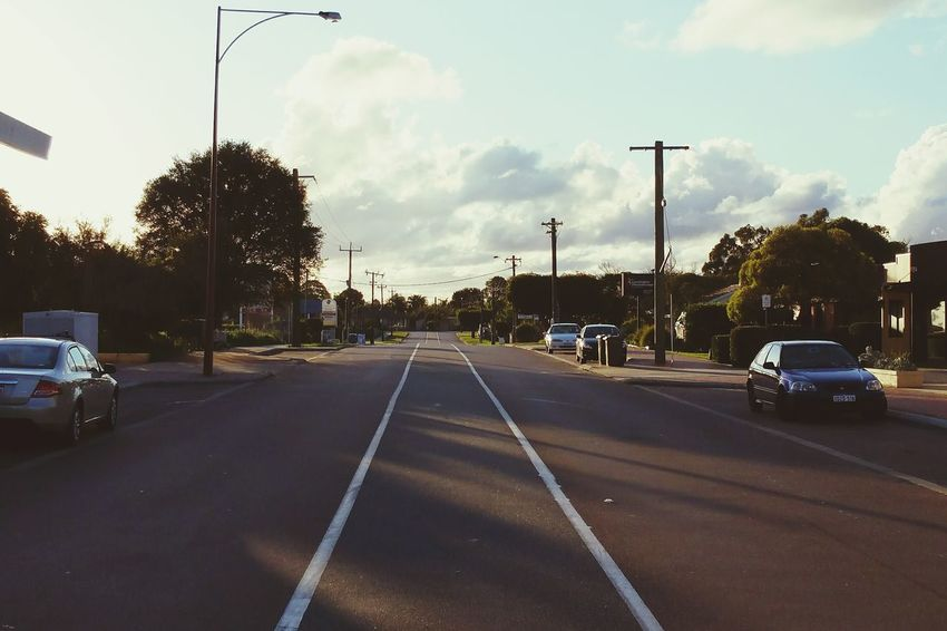 Down the road. Amfotografi Samsung Galaxy Note 4 Streetphotography Roadside Perth Australia