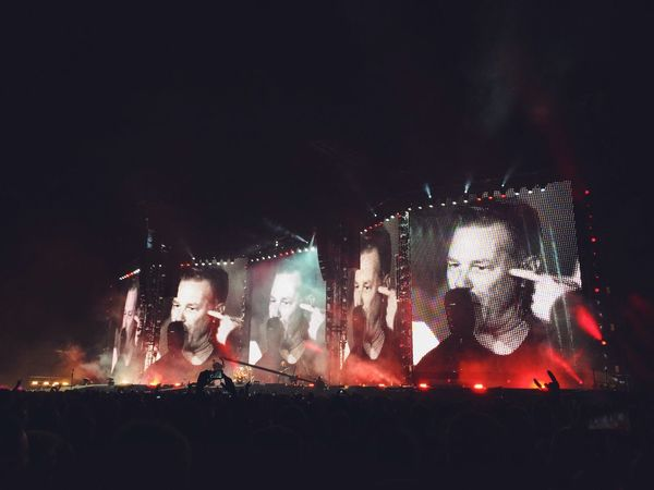 Metallica James Hetfield Rock Rock'n'Roll Concert Big Screen Jumbotron Singing Music Red Night EyeEm Best Shots Eye4photography  EyeEm Gallery EyeEm Best Edits EyeEm Best Shots - Night Photography EyeEmBestPics Eyem Best Shots