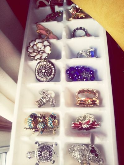 A tip for organizing your rings! So much easier to pick them out. Rings Fashion Getting Organized