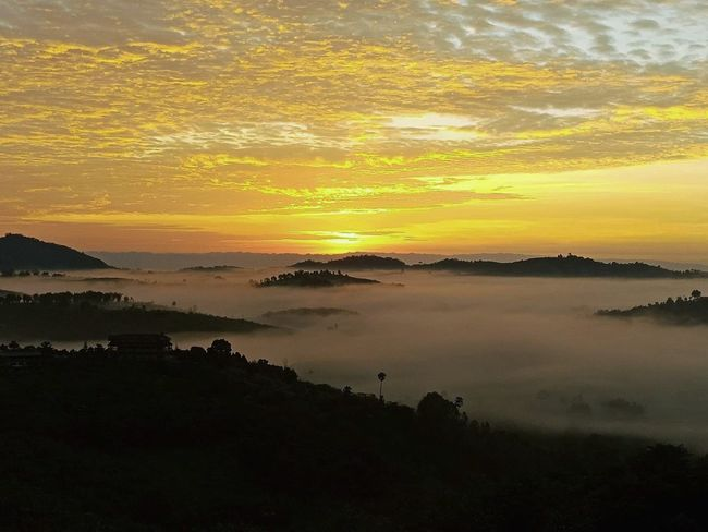 Colorful of sunrise Sunrise Sunrise_Collection Sea Of Fog Fog Color Of Sunrise Khaokho Thailand Thailandtravel Travel Explore Sunset Mountain Silhouette Romantic Sky