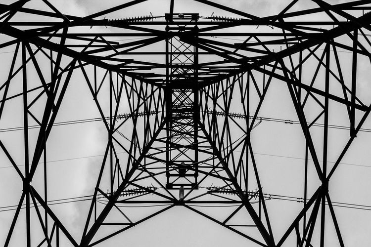 Look from bellow. The sky will not see you. Amazon Architecture Artphotography Blackandwhite Ironstructure Tower